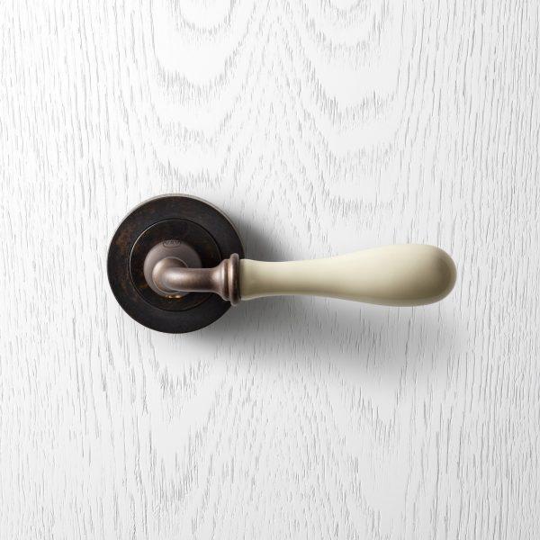 Black Kitchen Handles Melbourne: Modern Internal Door Handles